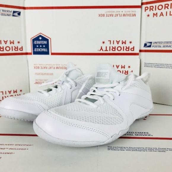 Women's Nike Cheer Scorpion 868319 100 Size 7